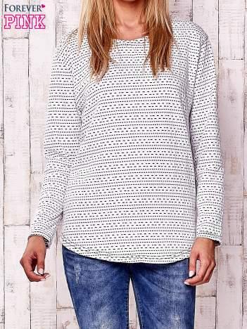 Biała bluzka w drobne wzorki