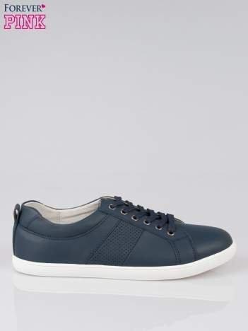 Granatowe sznurowane buty sportowe
