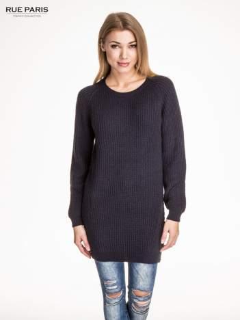 Granatowy długi sweter z suwakiem z tyłu