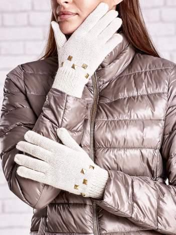 Kremowe rękawiczki z ćwiekami i ściągaczem