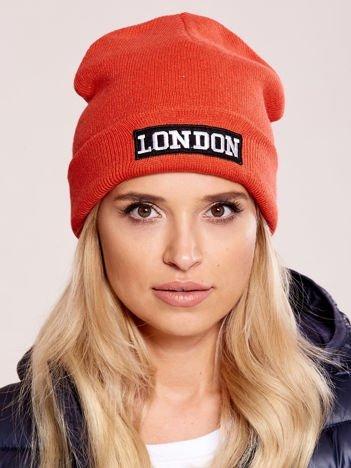 Pomarańczowa wywijana czapka z napisem LONDON