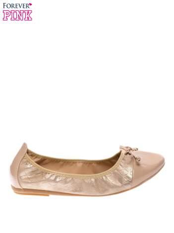 Złote baleriny na gumkę z lakierowanym noskiem