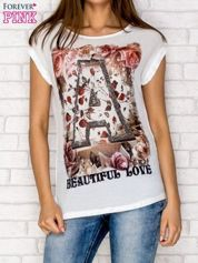 Biały siateczkowy t-shirt z literą A z dżetami