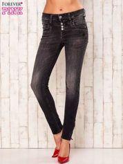 Ciemnoszare przecierane spodnie jeansowe