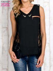 Czarna bluzka koszulowa z koronkowymi wstawkami na bokach