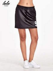Czarna spódnica w stylu baseballowym