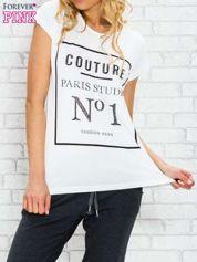 Ecru t-shirt z napisem PARIS STUDIO z dżetami