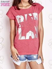 Fuksjowy t-shirt z motywem gwiazdy i dżetami
