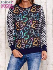 Granatowa bluza z nadrukiem cyfr