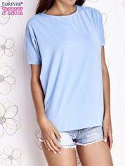Jasnoniebieski t-shirt oversize