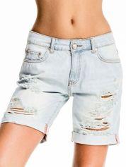 Jasnoniebieskie jeansowe szorty a'la bermudy