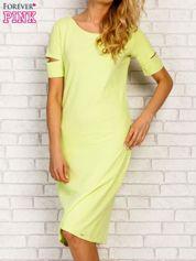 Butik Limonkowa sukienka z rozcięciami na rękawach