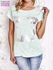Miętowy t-shirt z motywem gwiazdy i dżetami