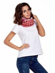 Różowa chusta we wzór patchworkowy