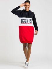 TOMMY LIFE Granatowo-czerwona sukienka z kapturem