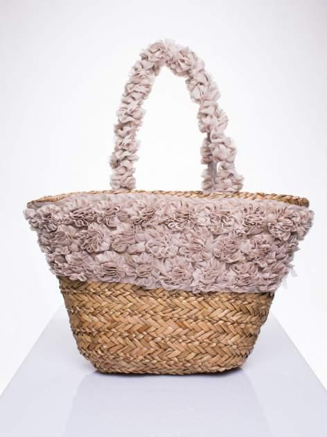 Beżowa torba koszyk plażowy z ozdobnymi kwiatami