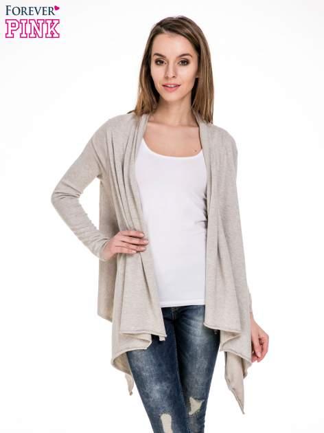 Beżowy sweter narzutka z kaskadowymi bokami