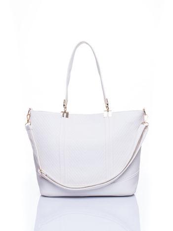 Biała fakturowana torebka damska ze złotymi okuciami