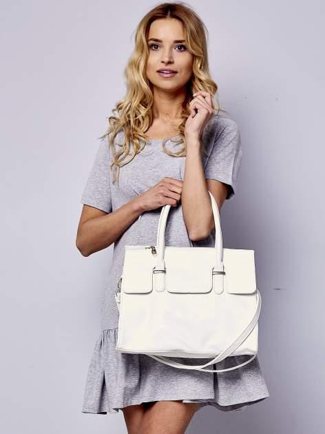 Biała torebka teczka z klapką