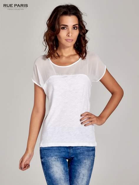 Biały t-shirt z górą mgiełką