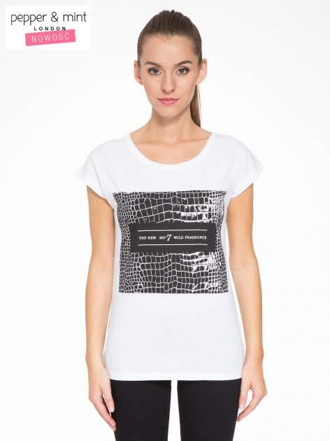 Biały t-shirt z motywem zwierzęcym