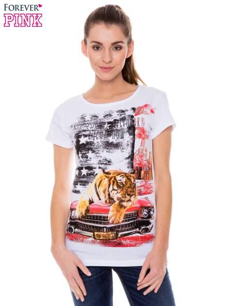 Biały t-shirt z nadrukiem tygrysa