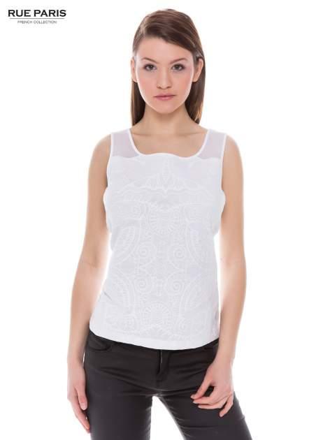 Biały top na grubych ramiączkach z ornamentowym nadrukiem