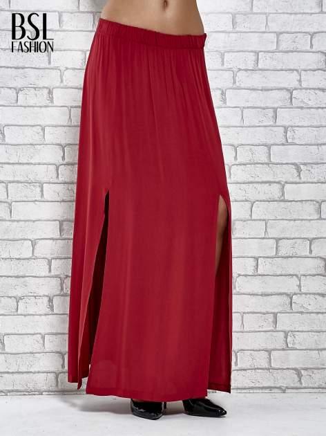 Bordowa spódnica maxi z rozporkami z przodu