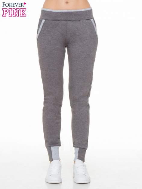 Ciemnoszare spodnie dresowe z kontrastowymi wstawkami