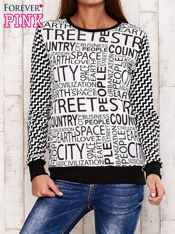 Czarna bluza z tekstowym nadrukiem i geometrycznym tyłem