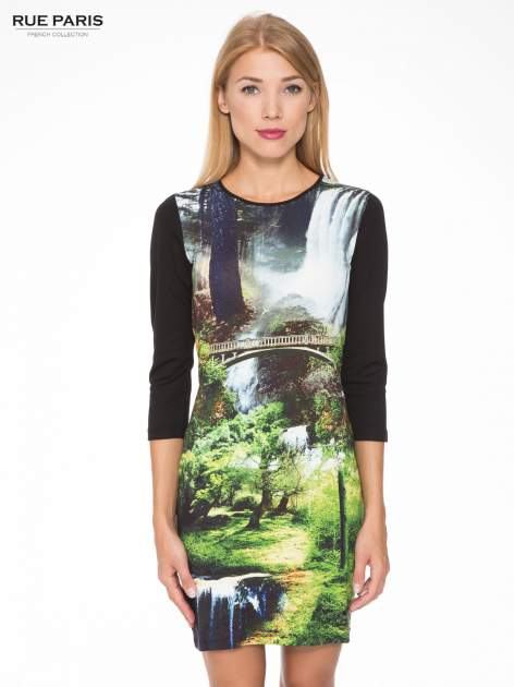 Czarna sukienka z fotograficznym nadrukiem krajobrazu