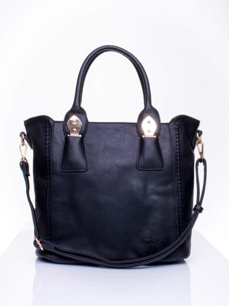 Czarna torba shopper ze stębnowaniem
