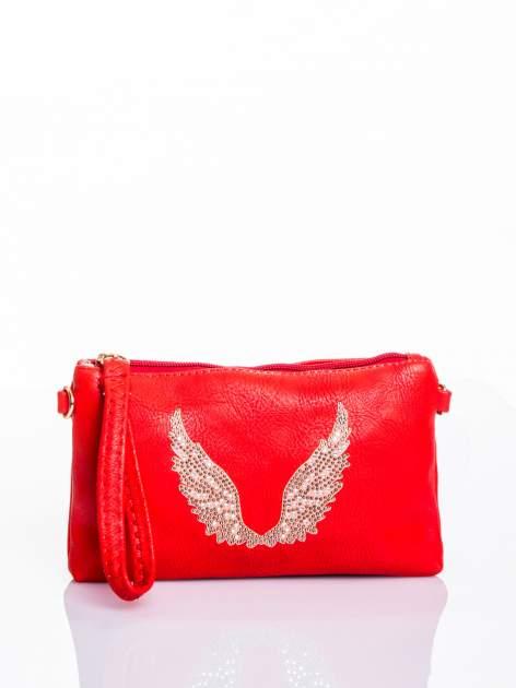 Czerwona kopertówka z dżetami motyw skrzydeł