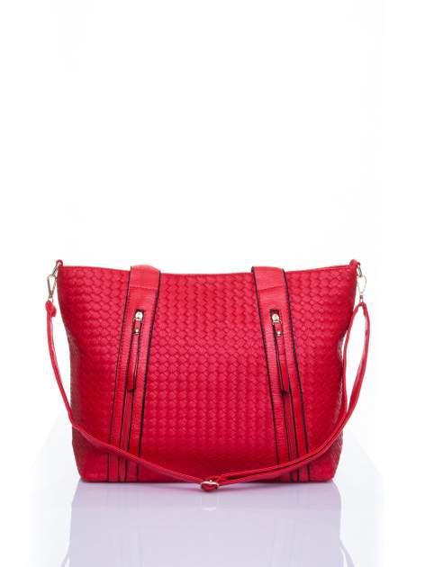 Czerwona pleciona torebka z suwakami