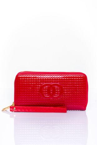 Czerwony pikowany portfel z uchwytem na rękę