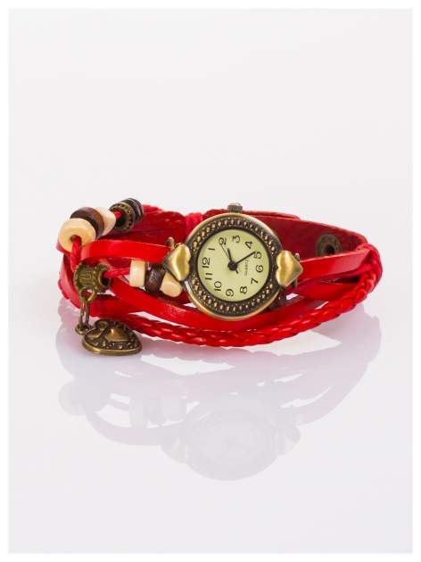Damski zegarek na skórzanej bransolecie z charmsami