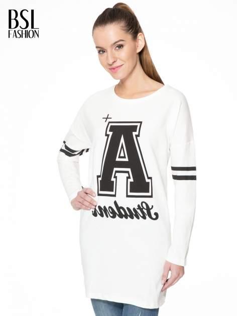 Ecru dresowa bluza z literą A w stylu baseballowym