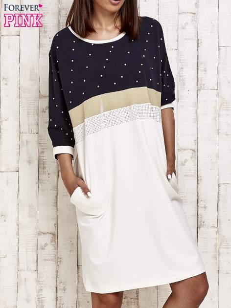 Granatowa sukienka dresowa z kryształkami i dżetami