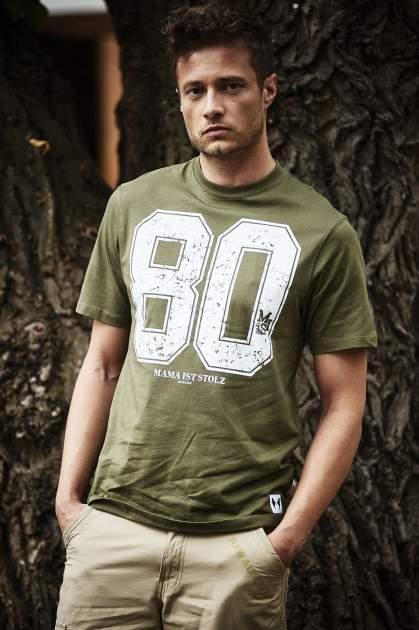Oliwkowy t-shirt męski z nadrukiem cyfr