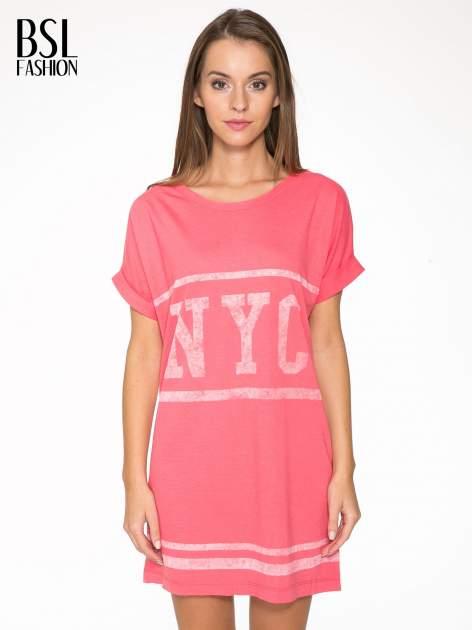 Różowa bluzosukienka z nadrukiem NYC
