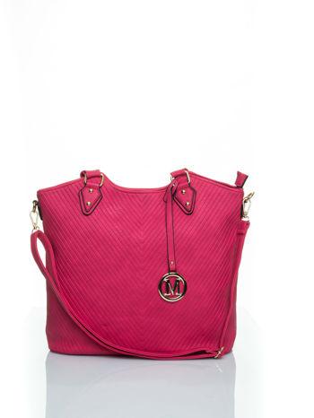 Różowa torebka fakturowana w pasy