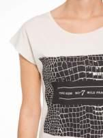 Beżowy t-shirt z motywem zwierzęcym