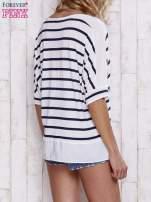 Biały t-shirt w paski z tiulowymi wstawkami