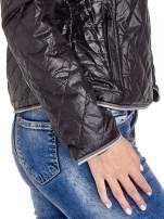 Czarna pikowana kurtka typu husky
