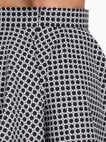 Czarno-biała mini spódnica skater we wzór op-art