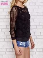 Czarny szydełkowy sweterek