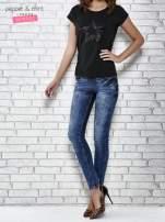 Czarny t-shirt damski z aplikacją gwiazdy z cekinów