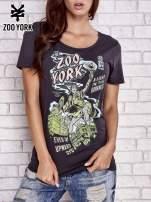 Czarny t-shirt z komiksowym nadrukiem