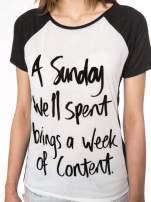 Czarny t-shirt z napisem A SUNDAY
