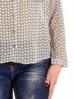 Ecru-różowa koszula w geometryczne wzory